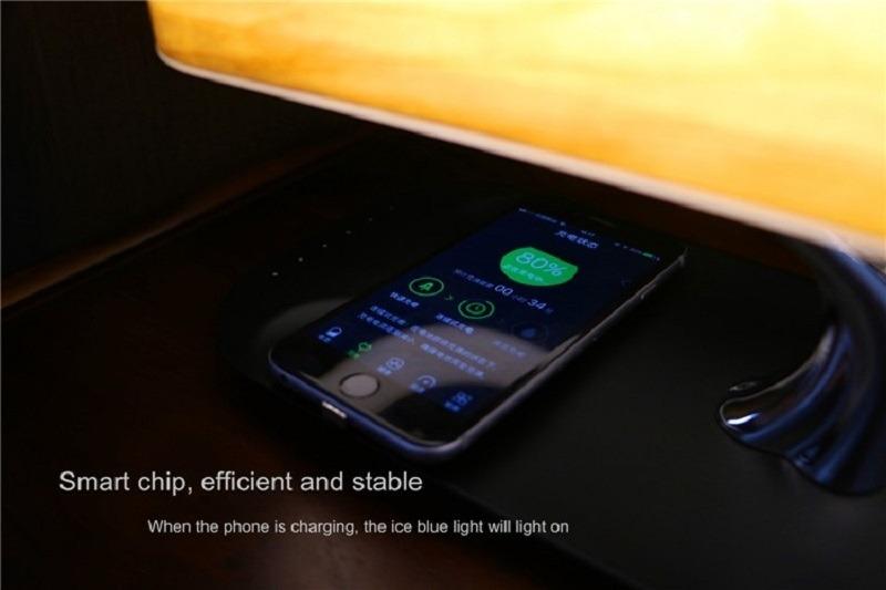 Qiワイヤレス充電器付き Bluetoothスピーカー LEDテーブルランプ